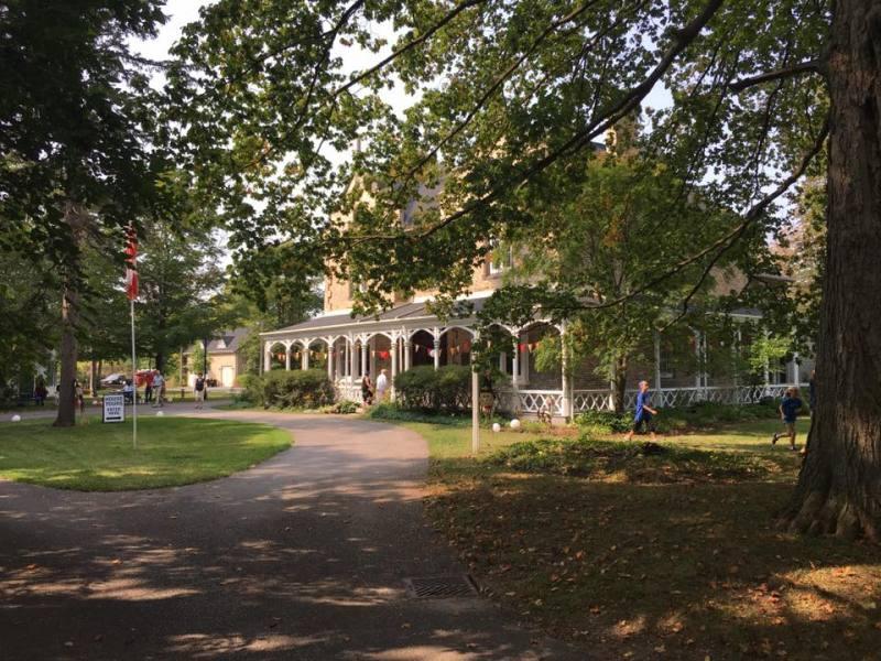 Grosvenor-Lodge
